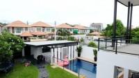 Pattaya Lagoon 960933