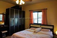 Pattaya Tropical Village 838411