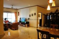 Pattaya Tropical Village 838420