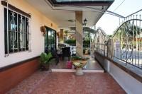 Pattaya Tropical Village 838428