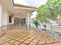 Pattaya Tropical Village  840417