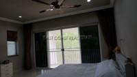 Phoenix Manor 1070625