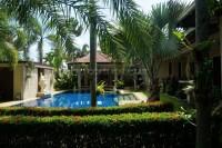 Phoenix Palms 790028
