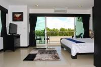 Platinum Suites 28077