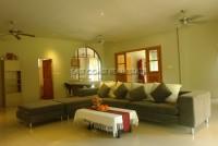 Pong House  628012