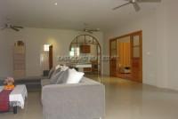 Pong House  62803