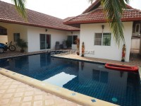 Pool View Villa houses For Rent in  East Pattaya