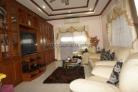 Private House  894833