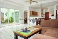 Private House in Soi Adam 762030