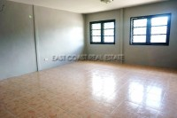 Private house in Soi Sang Petcharat 10596