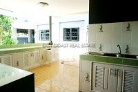 Private house in Soi Sang Petcharat 105963
