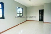 Private house in Soi Sang Petcharat 105966