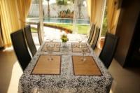 Privet House  935331