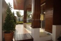 Privet House  93536