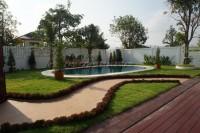 Privet House  93537