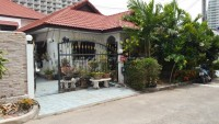 Royal Park Village houses For Sale in  Jomtien