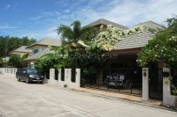 SP5 Village houses For sale and for rent in  East Pattaya