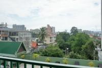 Sombat Condo 758513