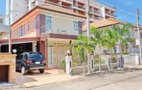TW Palm Resort Houses For Sale in  Jomtien