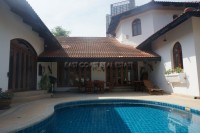 Thappraya Pool Villa Houses For Sale in  Pattaya City