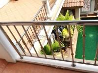 Town Home Pratumnak Soi4 97585