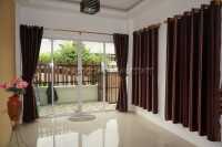Townhouse Theprasit  Houses For Rent in  Jomtien