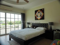 Tudor Villas 1018410