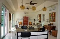 Wongamat Executive Pool Villa 100348
